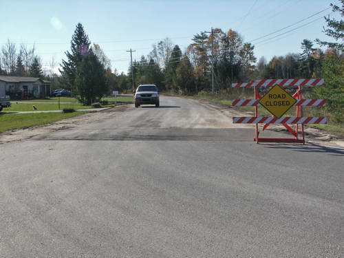 Schoolcraft County highway-by-use - Lakeside Rd - closed to public traffic